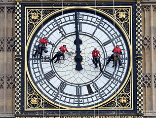 Specialist cleaners abseil off Parliament to begin a five-day deep clean of Big Ben