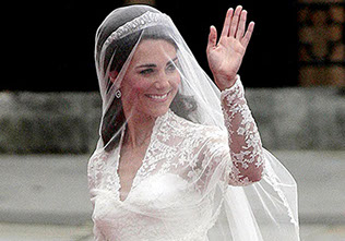 Kate Middleton arrives at Westminster Abbey for her marriage to Prince William
